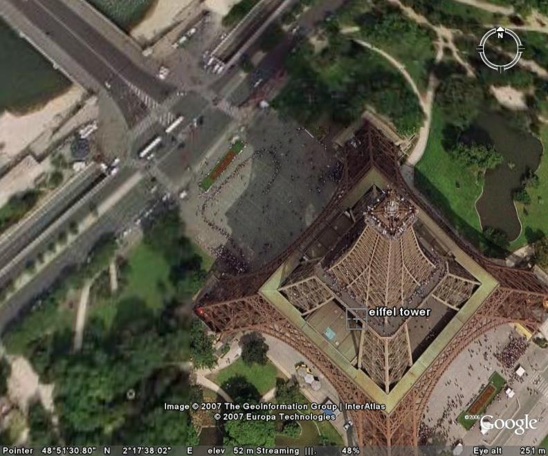 تصویر ماهواره ای برج ایفل پاریس